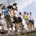 Teamparcours: Eine Gruppenaufgabe auf unserer Wippe